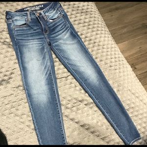 American Eagle Light-washed Style Jeans